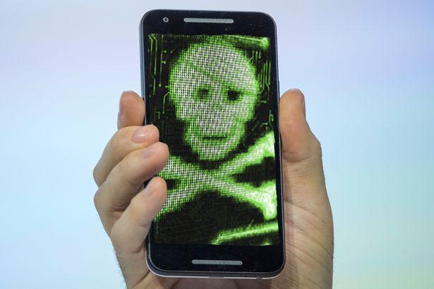 Kaspersky Lab: De trei ori mai multi virusi pe mobil in 2015 fata de 2014. Cum poti pierde pana la 100 de euro