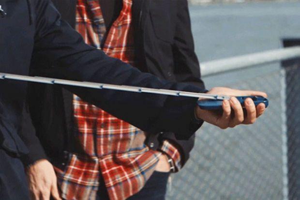 Un barbat si-a facut un selfie fatal alaturi de iubita! Cum a murit in timp ce isi facea poza