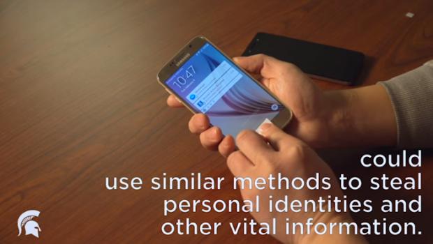 E foarte simplu! Cum treci de senzorul de amprenta de la un telefon!