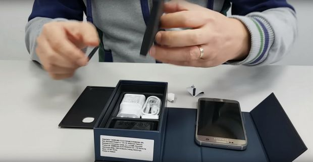 Unboxing si Hands-on Samsung Galaxy S7. Ce gasesti in cutie cand o deschizi prima data