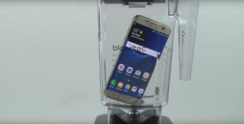 Au luat un Galaxy S7 Edge si l-au bagat in blender! Cum arata telefonul dupa doar 60 de secunde