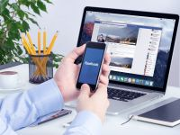 Folosesti Google Chrome cand intri pe Facebook? O noua escrocherie afecteaza mii de utilizatori