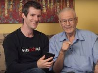 Cum reactioneaza un batran de 91 de ani cand se intalneste prima oara cu noile tehnologii
