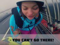Aceasta femeie a vrut sa sara de pe cel mai inalt pod din lume, dar a venit politia! Ce a facut apoi te va ingrozi