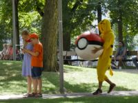 21 de milioane de oameni s-au uitat in mai putin de o zi la  Razbunarea Pokemonilor ! Ce au patit oamenii care il vanau pe Pikachu