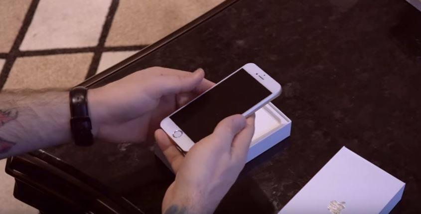 China, tara gadgeturilor contrafacute! Cum arata copia iPhone 7 si telefonul facut de MotoroNa