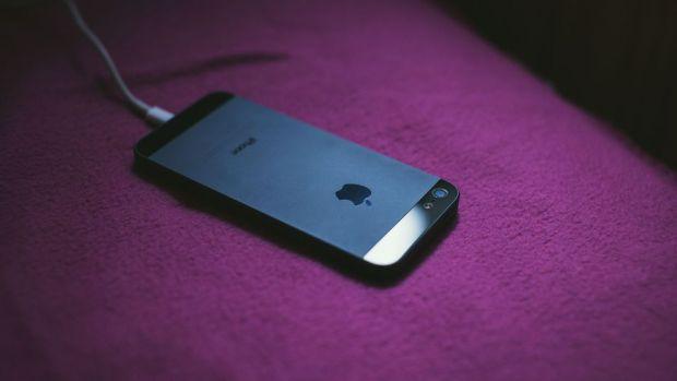 Dezvaluire halucinanta facuta de Apple: peste 90% dintre aceste produse NU sunt originale!