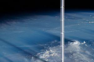Proiect uluitor pentru cel mai inalt turn din lume! Cladirea va fi suspendata de un asteroid