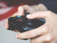 Se juca la o consola PlayStation 4 care s-a stricat brusc! Ce a gasit inauntru
