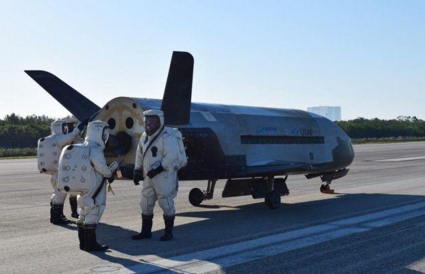 A aterizat avionul US Air Force, care a zburat 2 ani in jurul Pamantului! Ce stim despre acest proiect secret