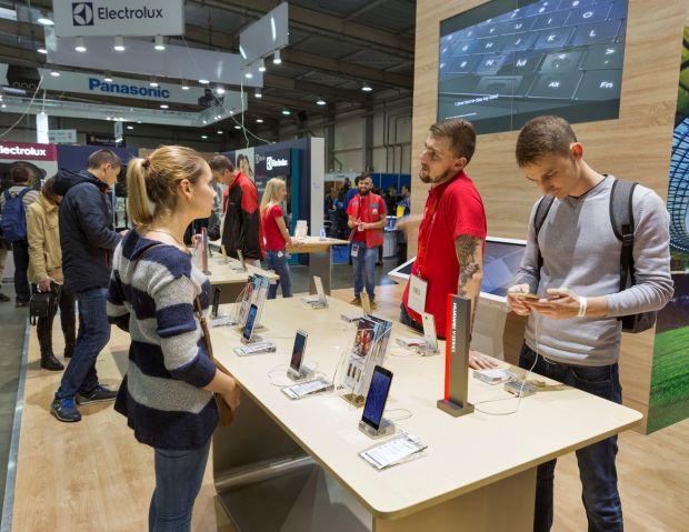 Premiera pentru Huawei! A reusit sa intreaca Apple intr-un mod neasteptat