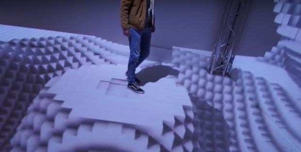 Iluzie optica incredibila! Ce se intampla cand te plimbi prin aceasta incapere