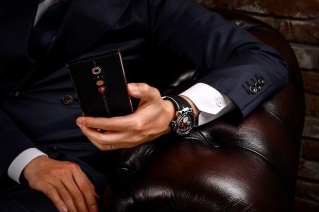 Lamborghini lanseaza un nou smartphone de lux! Cat costa telefonul exclusivist, facut din aliaj lichid
