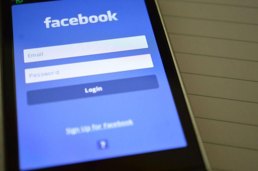 Facebook testeaza un paywall prin care utilizatorii vor avea acces la stiri doar daca platesc