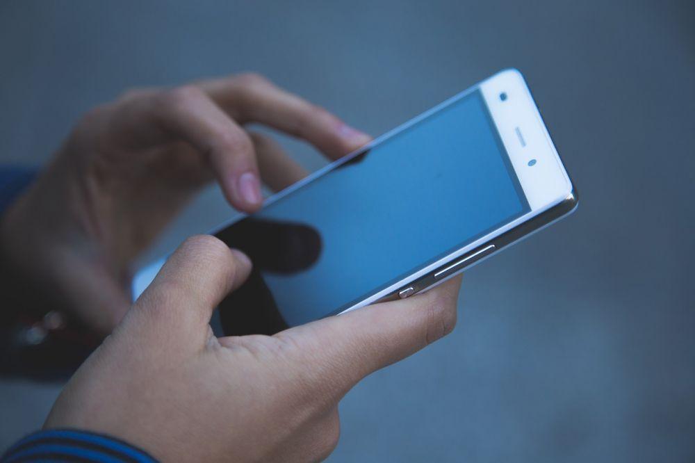 Cat de mult s-au scumpit telefoanele inteligente in ultimele luni ale acestui an