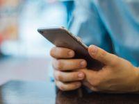 Riscul nestiut la care se expun utilizatorii de iPhone! Avertismentul unui programator