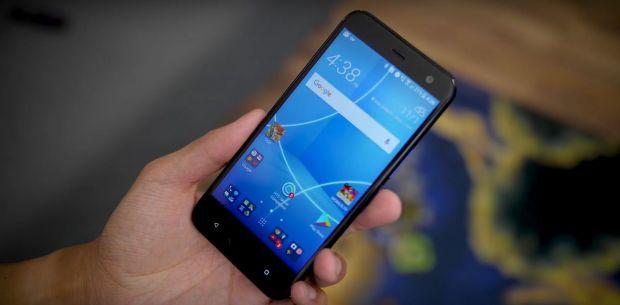 HTC a lansat U11 life, smartphone mid-range cu specificatii deosebite