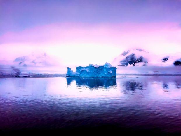 Un fenomen misterios topeste ghetarii din Antarctica! Ce se intampla sub calota de gheata