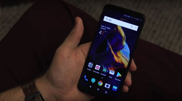 A fost lansat OnePlus 5T! Telefonul are camera foto incredibila si sistem Face Unlock