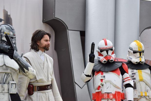 Surpriza deosebita pentru fanii Star Wars! Samsung lanseaza un gadget special pentru ei