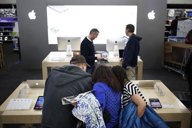 Comenzi record pentru iPhone X! Cate telefoane s-au vandut de Black Friday