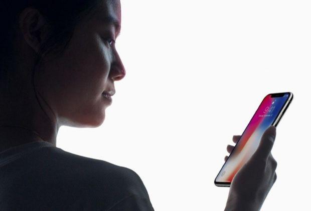 Anomalie ciudata a senzorului FaceID! Cat de usor poate fi deblocat un iPhone X