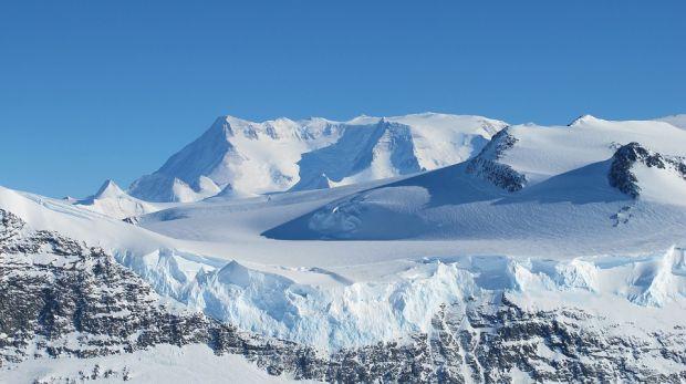 Experiment inedit in Antarctica: cercetatorii vor sa cultive legume care sa creasca fara sol si lumina