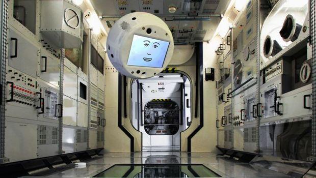 Un robot se va alatura echipajului de pe Statia Spatiala Internationala