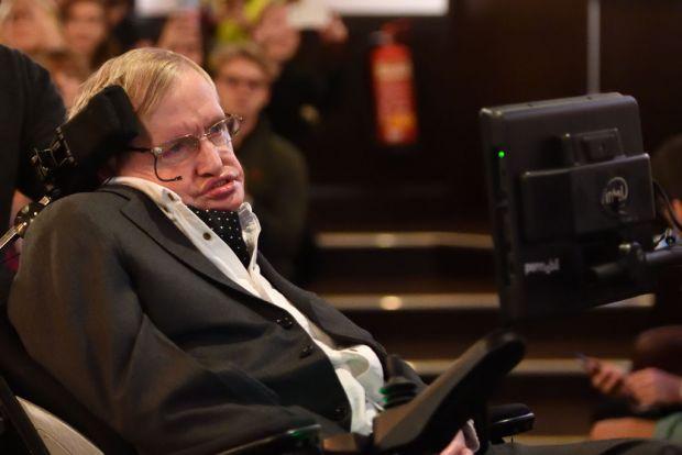 Stephen Hawking. Savantul de geniu care a descifrat misterele universului in ciuda unei boli incurabile