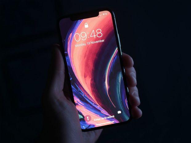 Noile modele de iPhone nu vor mai avea ecran tactil. Vor fi actionate prin gesturi ale mainii