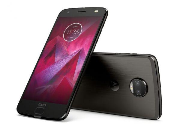 Motorola a lansat si in Romania noul Moto Z2 Force Edition, cu tehnologie ShatterShield. Cat costa telefonul