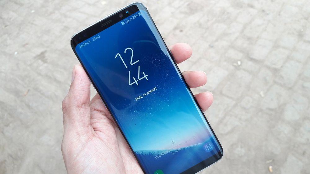 Samsung va introduce in sfarsit senzorul de amprenta integrat in ecran! Pe ce smartphone se va regasi noua tehnologie