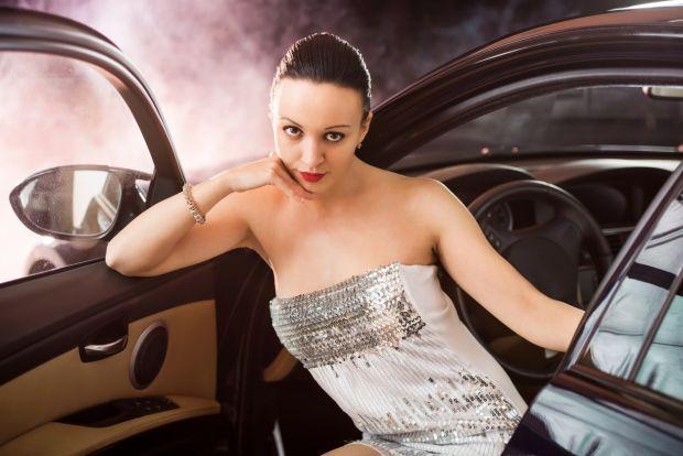 Crezi ca o masina extravaganta ajuta la gasirea unui partener? Concluzia surprinzatoare a unui studiu