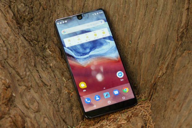 Veste proasta! Ce se intampla cu prima companie care a lansat un smartphone cu ecran decupat si fara margini