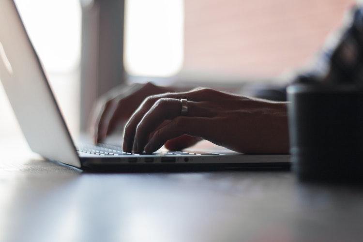 Hackeri rusi au atacat si compromis sute de mii de rutere din intreaga lume