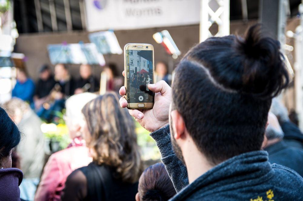 Cum poti surprinde cele mai bune cadre cu un smartphone, la evenimentele importante