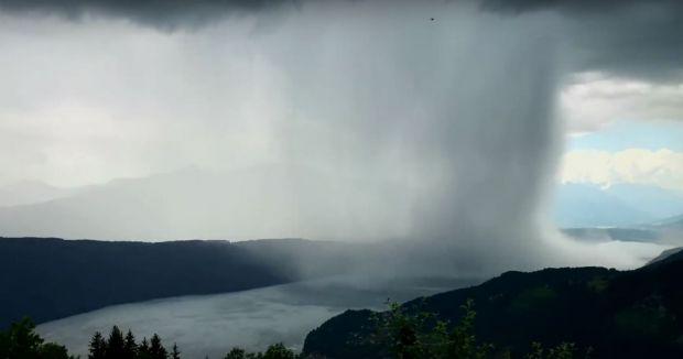 Fenomen straniu surprins de un alpinist. Care este explicatia pentru acest tsunami cazut din cer?