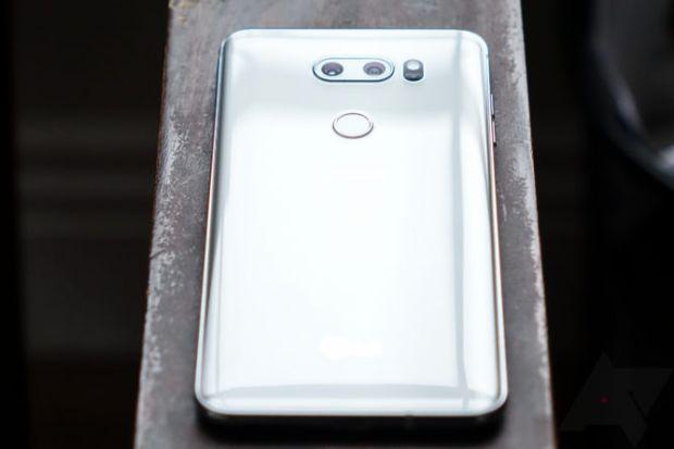 LG intră în competiție cu Huawei și Samsung! Pregătește un smartphone cu cinci camere foto