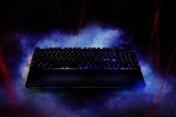 Razer a anunțat noua gamă de tastaturi de gaming premium, Razer Huntsman