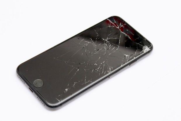Modul ingenios prin care noile modele de iPhone vor fi protejate când sunt scăpate pe jos