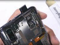 A desfăcut un smartphone cu cameră frontală glisantă. Cum arată în interior