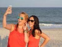 Cele mai bune telefoane rezistente la apă. Ce modele poți lua fără griji pe plajă
