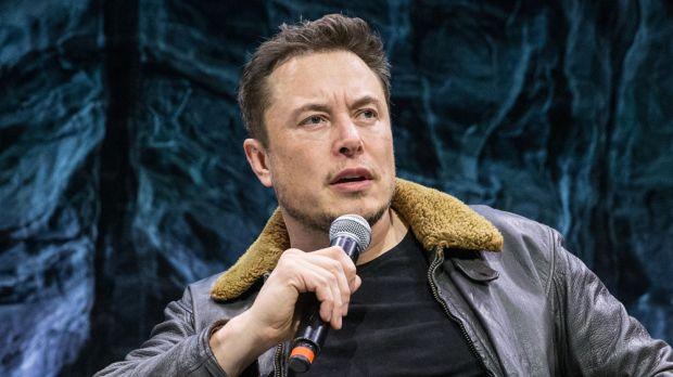 Elon Musk vrea să scoată Tesla de pe bursă. Ce se întâmplă cu gigantul auto în aceste momente