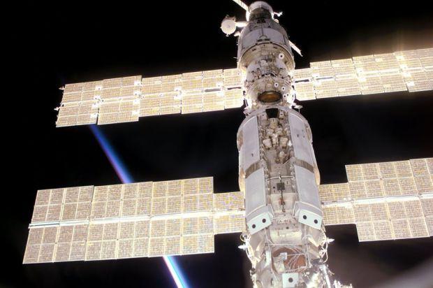 Un meteorit a lovit Stația Spațială Internațională și a găurit un perete. Cum au rezolvat astronauții situația de criză