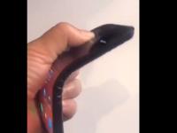 Imagini surprinzătoare cu primul smartphone pliabil Lenovo! Telefonul funcționează perfect