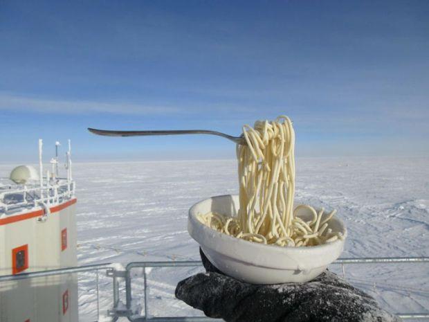 Experiment inedit: ce se întâmplă când vrei să gătești la -80 de grade Celsius? Poze incredibile