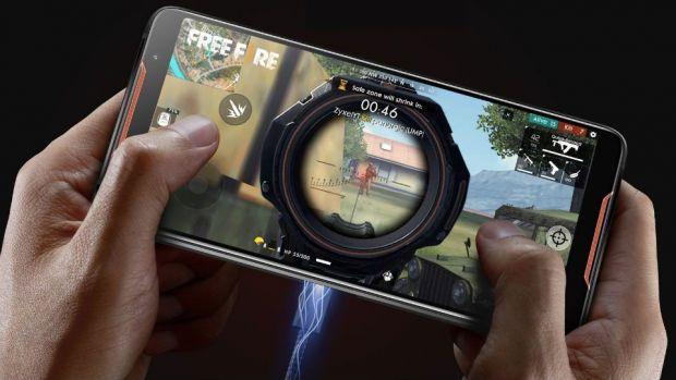 Asus lansează ROG Phone, un telefon premium pentru pasionații de jocuri