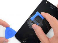 Motorola, primul producător de smartphone care te învață cum să-ți repari singur telefonul