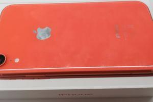 Review iPhone XR. De ce merită să cumperi modelul mai ieftin lansat de Apple