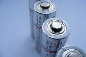 Un start-up a reușit să producă baterii în stare solidă